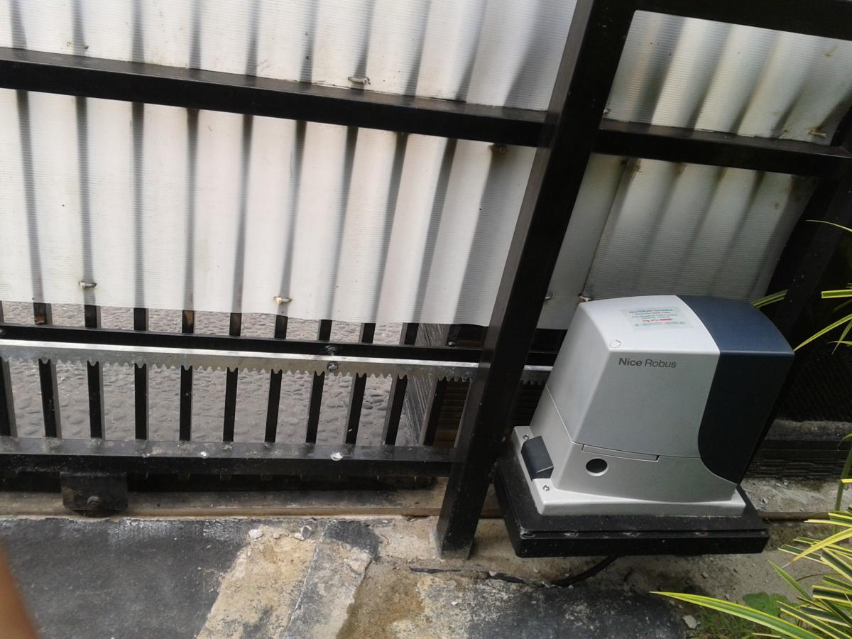 Autogate Sliding Door